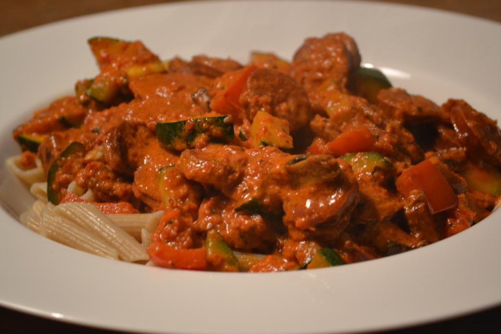 Pittige pasta met paprika pesto saus (2)