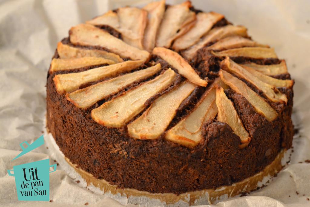 Peren chocolade cake met logo