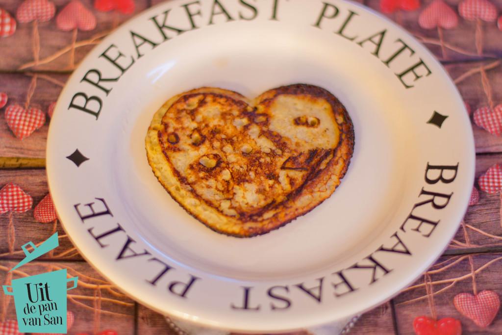 Banaan ontbijt pannenkoekjes met logo