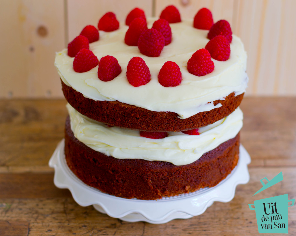 Red velvet met logo