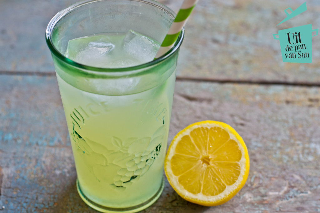 Homemade lemonade met logo