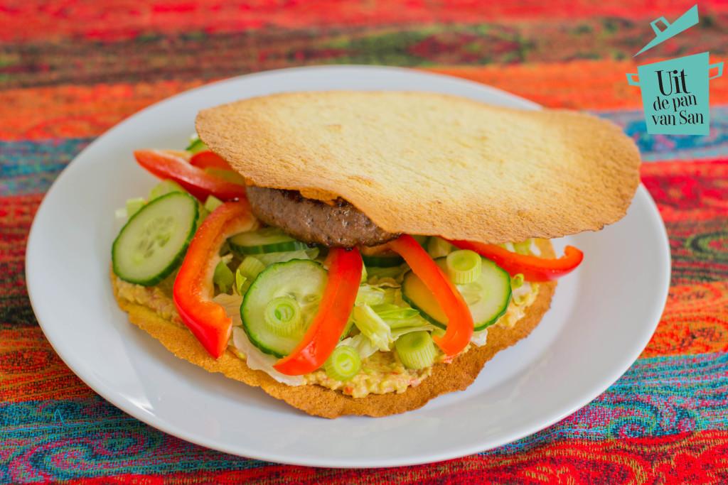 Mexicaanse crispy tortilla burger met logo