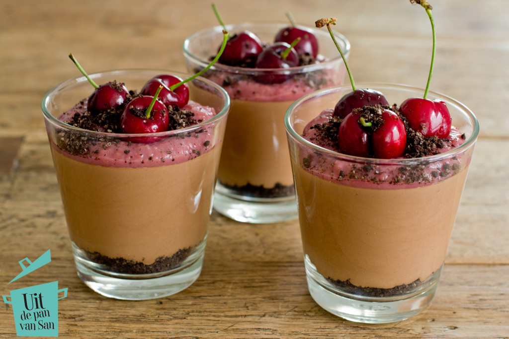 Chocolade kersen glaasjes met logo