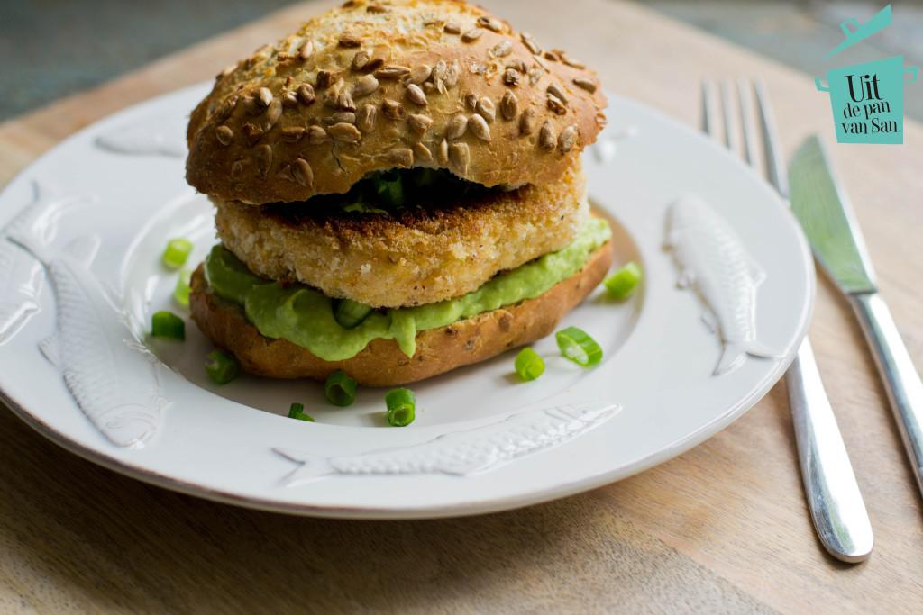 Zalmburgers avocado saus met logo